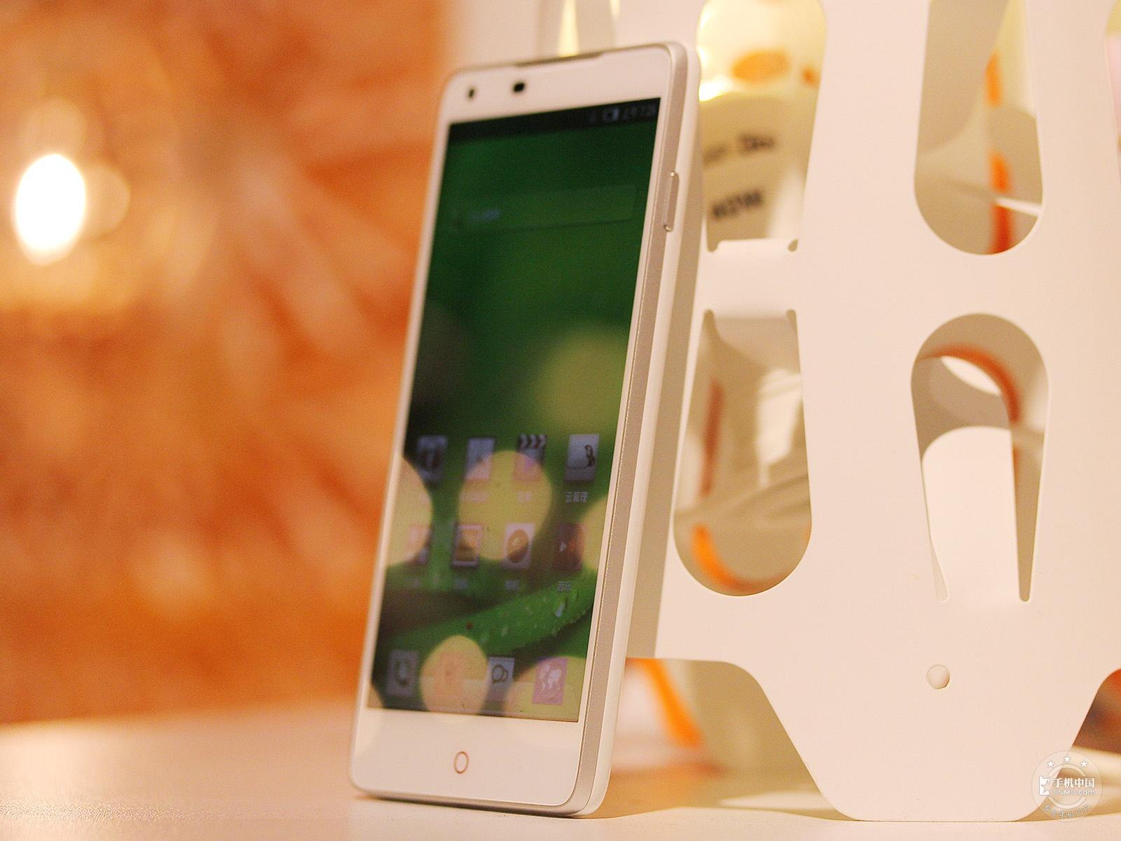 努比亚Z5(16GB)整体外观第3张