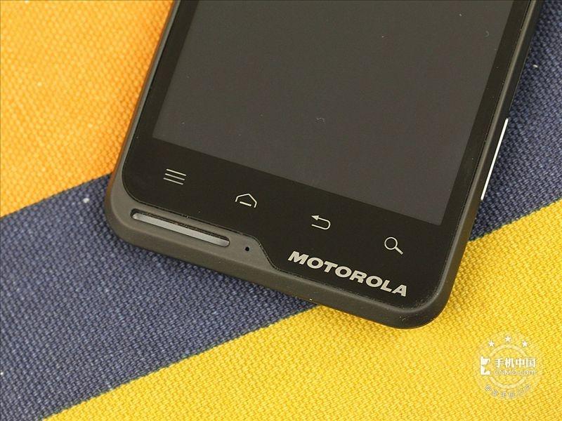摩托罗拉XT615机身细节第1张