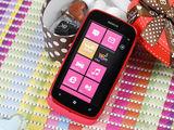 诺基亚Lumia 610整体外观第3张图
