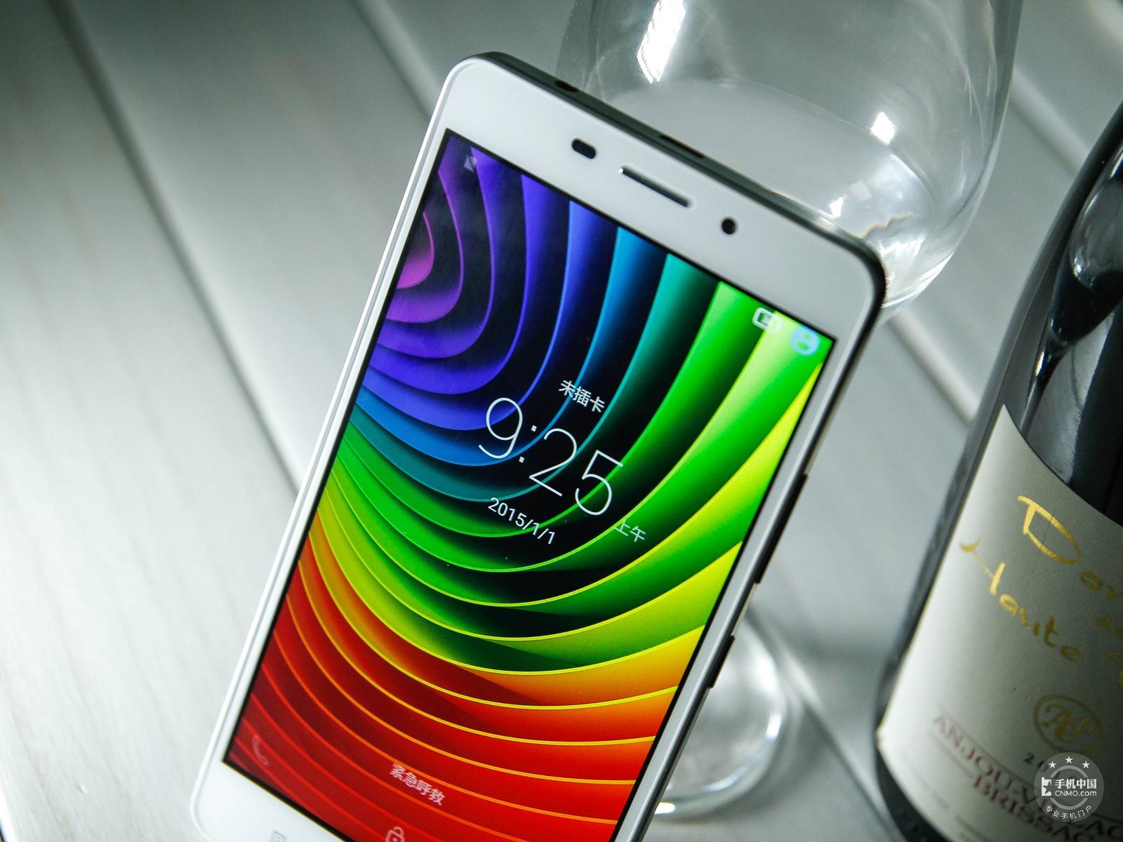 联想黄金斗士S8畅玩版(移动4G/16GB)机身细节第8张
