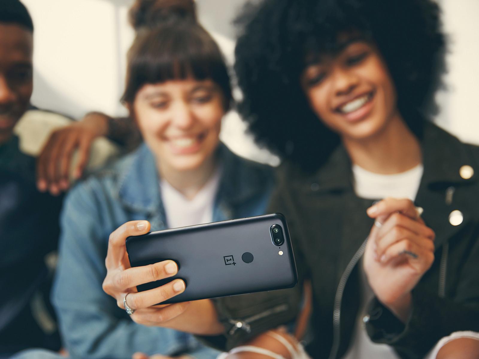 一加手机5T(128GB)时尚美图第7张