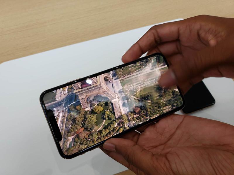 苹果iPhoneXS(256GB)整体外观第8张