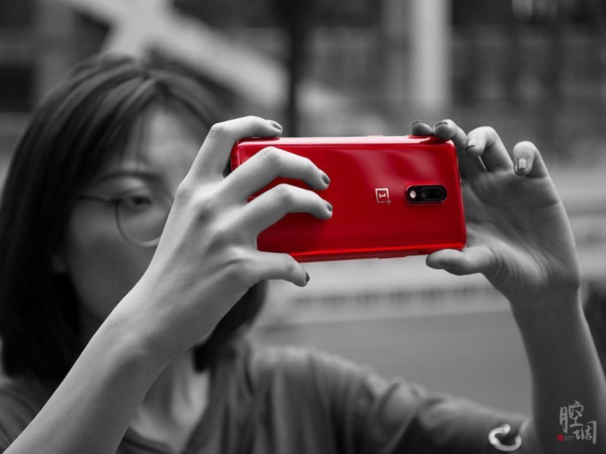 一加手机7(12+256GB)时尚美图第2张