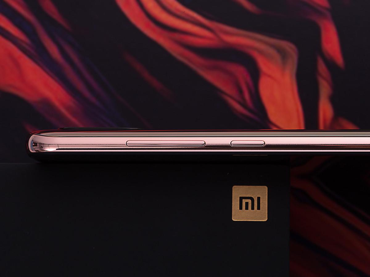 小米8屏幕指纹版(6+128GB)机身细节第5张